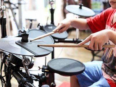 イベントに参加して電子ドラムを検討して評価!